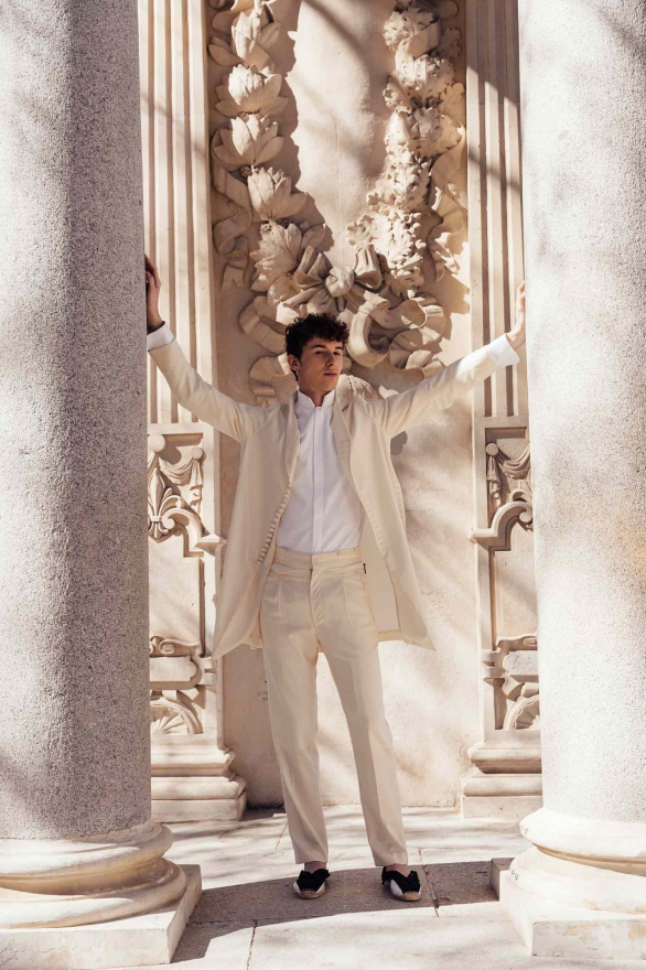 OTEYZA: el camino hacia el nuevo traje masculino.